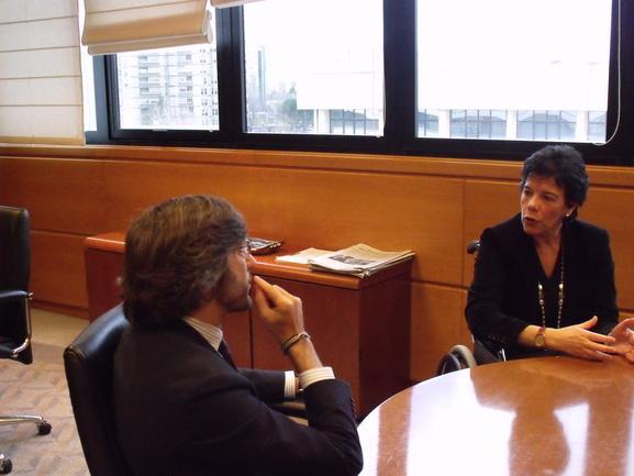 La consejera de Educación, Isabel Celaá, duranta la reunión