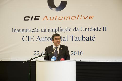 Lehendakariak CIE Automotive-ren lantegiaren zabalkuntza inauguratu du.