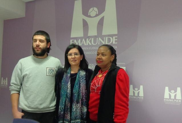 Javier Sierras, Izaskun Landaida y Rosario García.