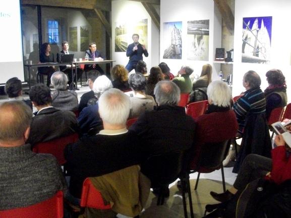 """Presentación del libro """"Vascos en Buenos Aires"""" en el Euskal Museoa de Baiona."""