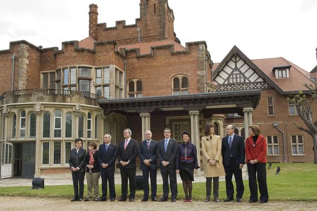Foto de familia del Consejo de Gobierno delebrado el pasado marte, en el Palacio Artaza (Leioa)