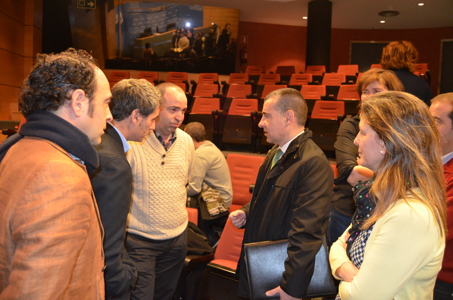 Oregi y Madariaga con los alcaldes