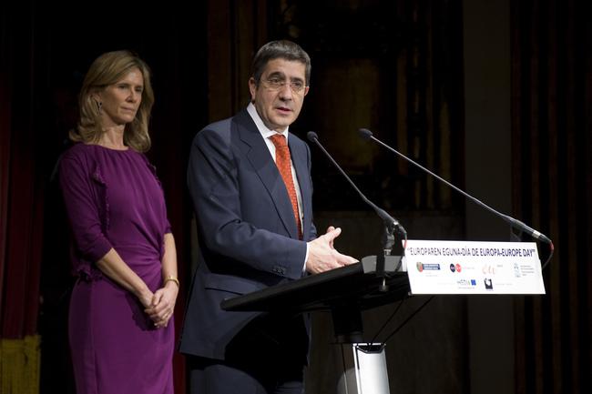 El lehendakari y la Ministra Garmendia inaugura la Semana de Cine Europeo