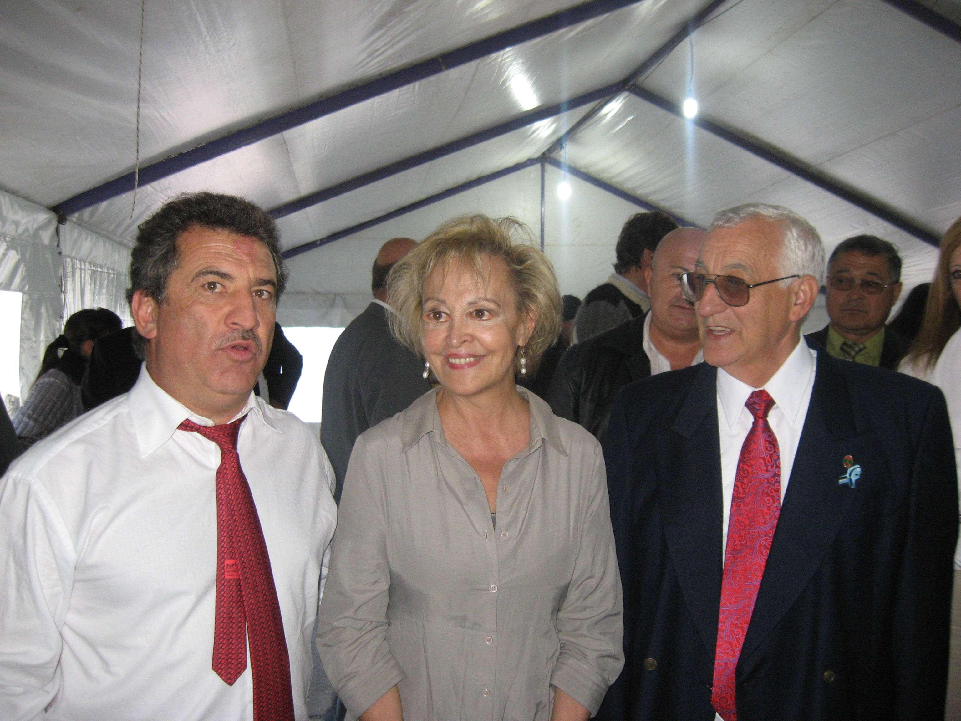 elvira_y_gobernador.jpg