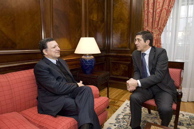 Encuentro del Lehendakari y Durao Barroso
