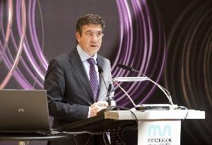 El Lehendakari, durante su intervención ante la prensa