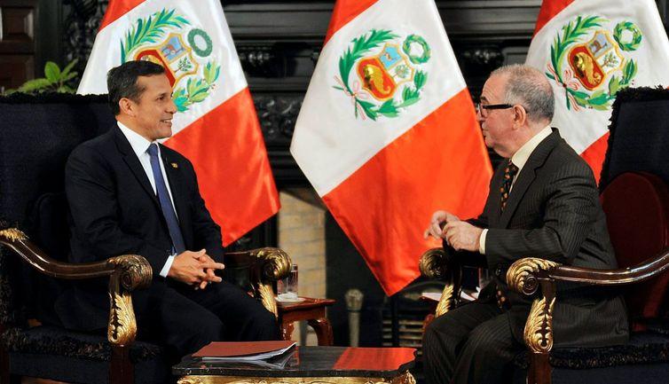 Txema Salcedo telebistako elkarrizketa batean Ollanta Humala Peruko presidentearekin