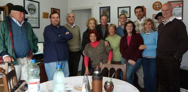 Celaya y Cortajarena con las autoridades de la FIVU