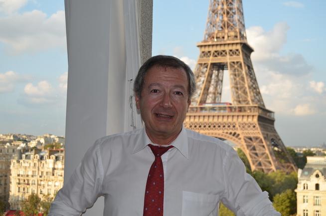 Ignacio Barrón de Angoiti en su oficina de UIC Paris