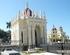 """Cementerio de Colón, en La Habana: Panteón de la """"Asociación Vasco-Navarra de Beneficencia"""", que refleja el esplendor de la presencia vasca en Cuba."""