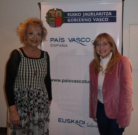 La Delegada Elvira Cortajarena y la Diputada María José Lubertino