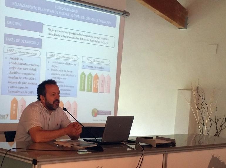 Peli Manterola en la presentación de Euskobasoa2020