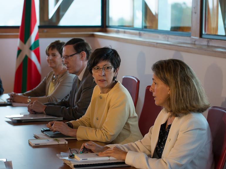 Oregi, en una reunión del Gobierno Vasco en Madariaga Dorrea (I:Bernaldez Argazkia)