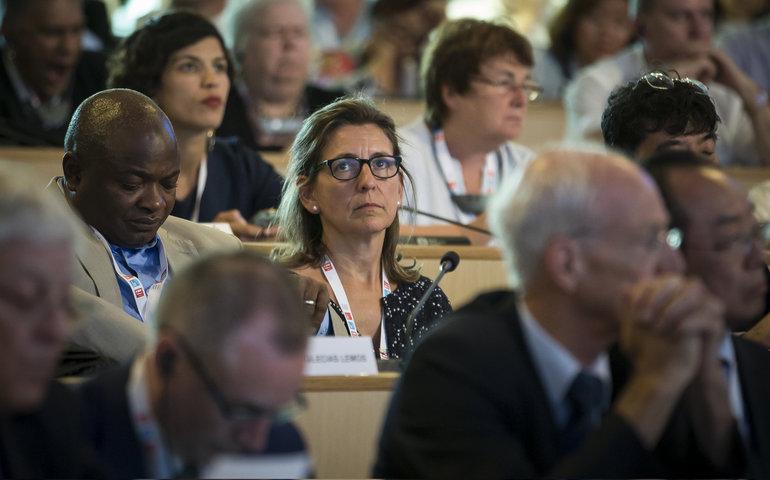 Oregi, en la cumbre de Lyon (Argazkia EFE)