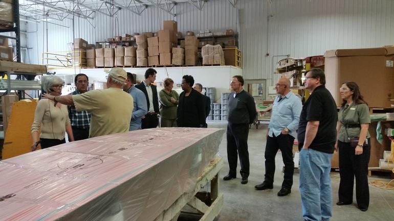 Jorge Arévalo (segundo por la izquierda), durante una visita a un centro de FP en Minnesota