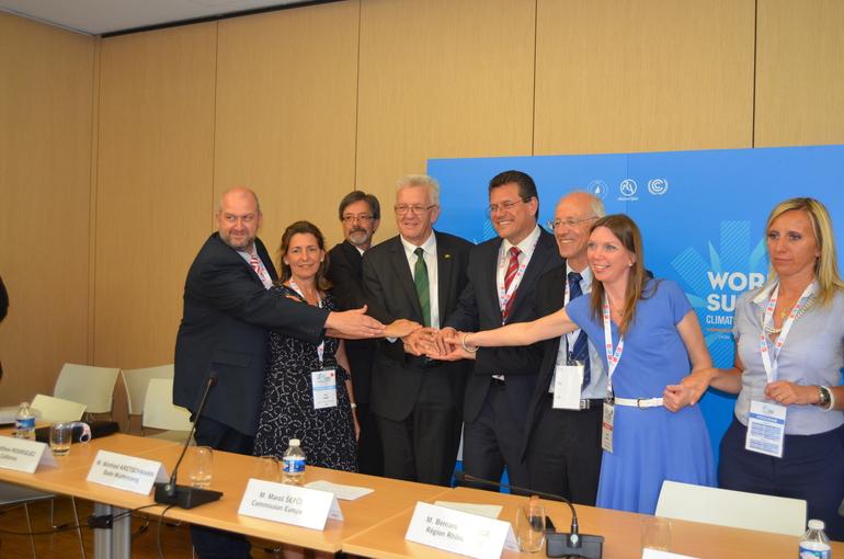 Oregi suscribe un acuerdo internacional en Lyon para impedir la subida de la temperatura del planeta