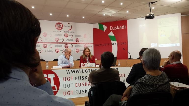 Izaskun Urien directora General de Osalan y Raúl Arza secretario general de UGT Euskadi al inicio de la jornada