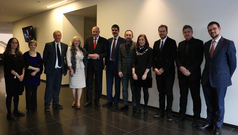 La delegación vasca de DSS2016 junto con en alcalde de Wroclaw, en la ciudad polaca, momentos antes del acto inaugural