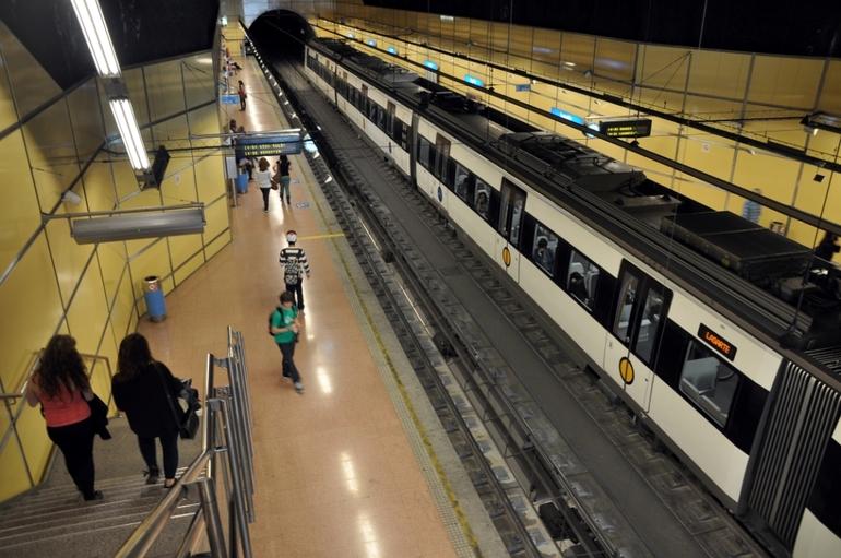 Euskotrenek larunbatean aldundiko enplegu eskaintza publikoaren proba dela eta, trenen zerbitzua indartuko du
