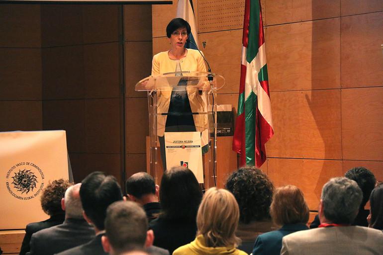 La consejera de Seguridad ha inaugurado el Congreso Internacional sobre 'Seguridad y Derechos Humanos'