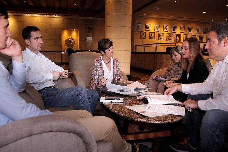 reunión interna para revisar agenda en Sudáfrica