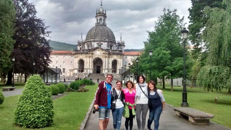 """Atzotik """"Meet Basque Country""""-n bildutako 55 bidaia-agentzi handizkariek hasiera eman diete goizean Euskadiko turismo baliabide ezberdin ezagutzeko bisitaldiei"""