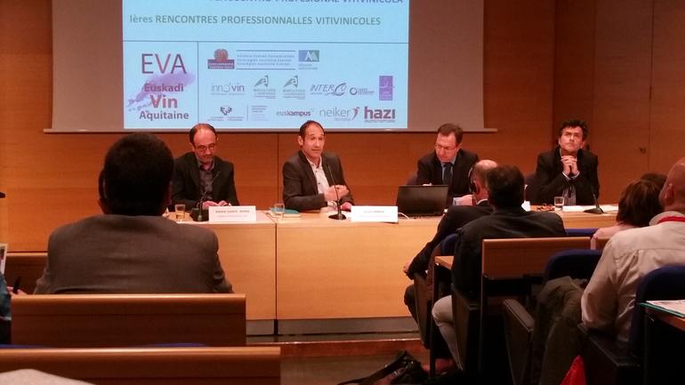 Asier Arrese en la inauguación del I. Encuentro Profesional Vitivinícola