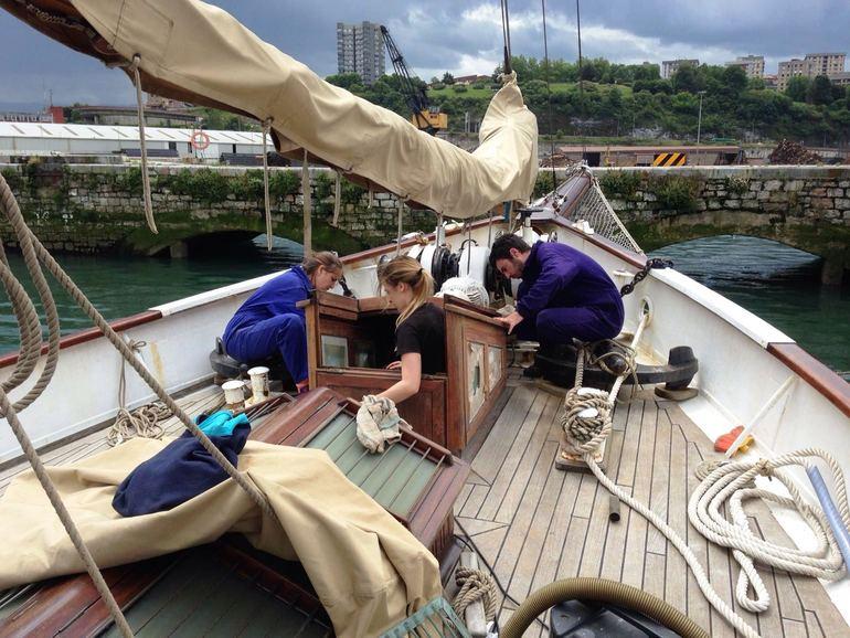 """El barco escuela """"Saltillo"""" ultima su puesta a punto en los astilleros pasaitarras antes de iniciar viaje a Bretaña"""