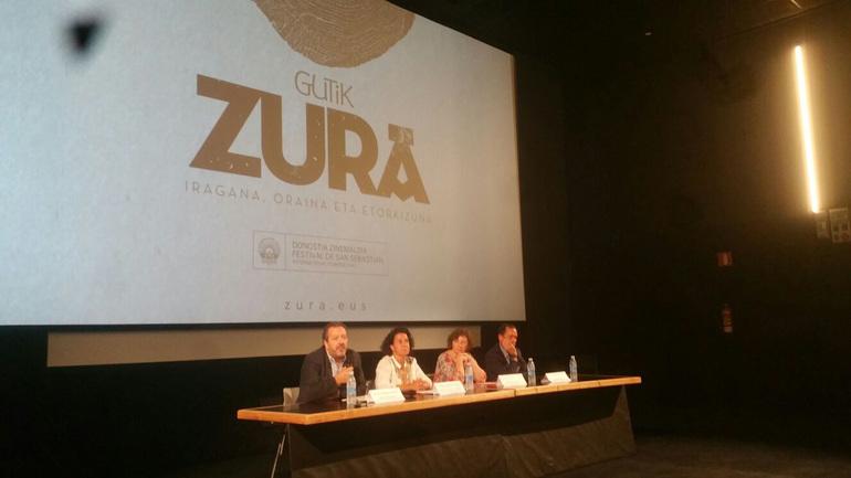 Peli Manterola durante la presentación del documental Gutik Zura.