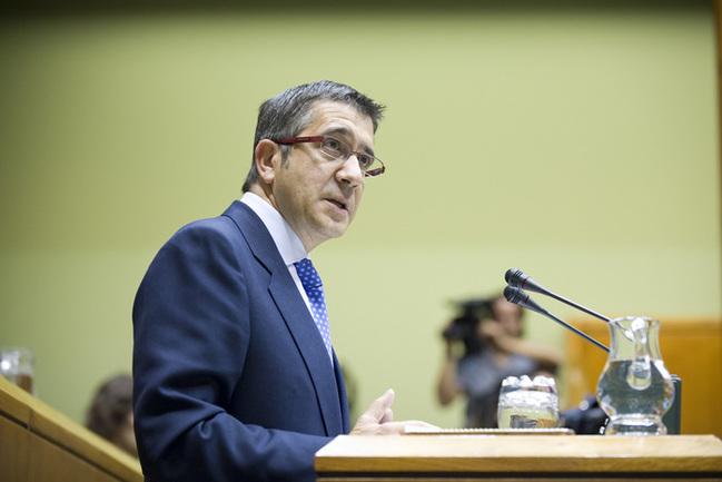 El Lehendakari, Patxi López, durante una intervención en el Pleno del Parlamento Vasco