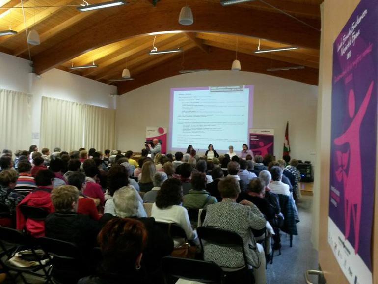 Asistentes a la celebración del Día Internacional de la Mujer Rural en Zuazo de Cuartango