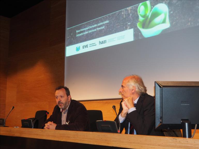 Peli Manterola durante la presentación de la Jornada sobre la biomasa