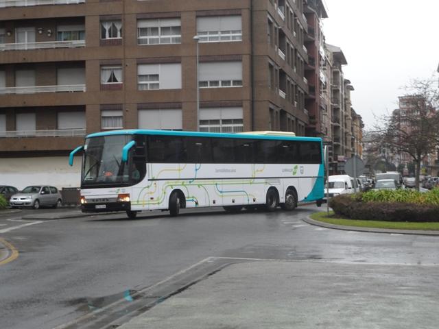 Lurraldebus1.jpg