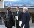 Jorge Arévalo (centro) conversa con Marta Marín (izq.) y Jose Luis Fdz. Maure (derch.), poco antes de entrar al comité consultivo de la Comisión Europea