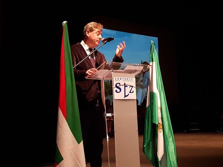 El consejero Zupiria, durante su intervención en Santurtzi.