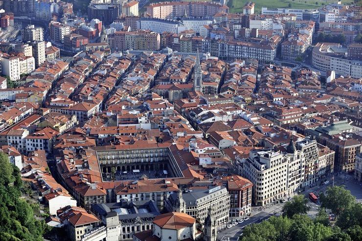 Vista aérea del Casco Viejo de Bilbao.
