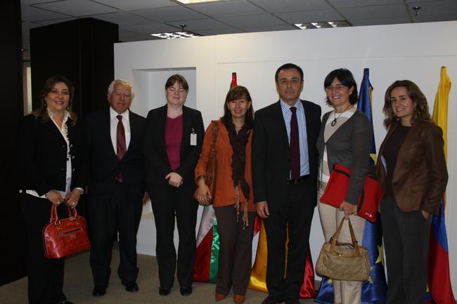 Iñaki Martínez y representantes del grupo Tecnalia