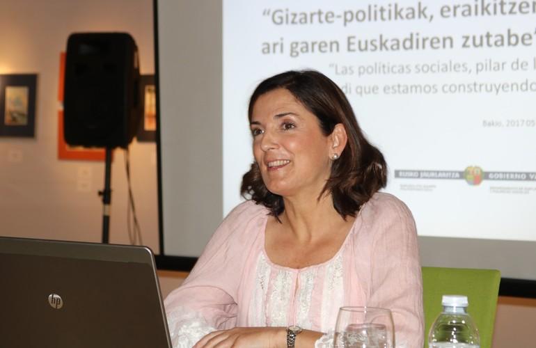 """Artolazabal destaca la """"buena posición que Euskadi mantiene en materia de políticas sociales dedicadas a las personas mayores"""""""