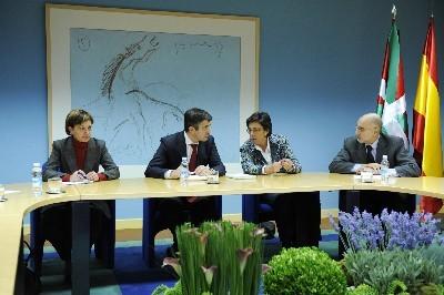 El Lehendakari, presidiendo el gabinete de crisis