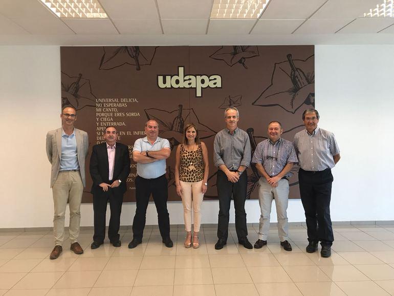 La Consejera en su visita a las Sociedades Cooperativas UDAPA y GARLAN