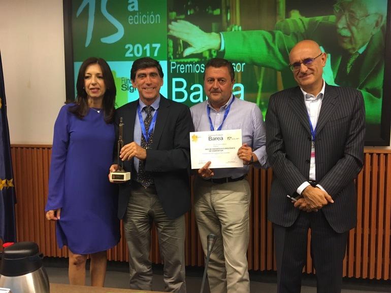 Director de Asistencia Sanitaria de Osakidetza, Andoni Arcelay junto con representantes de los proyectos
