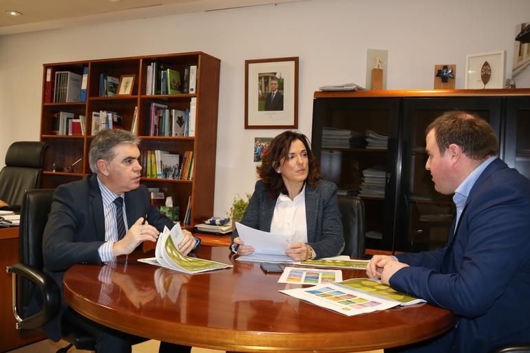Artolazabal analiza el informe junto a Muro y Añibarro