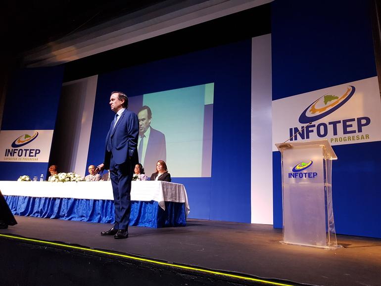 Jorge Arévalo, durante la conferencia magistral impartida en Santo Domingo (República Dominicana)