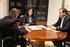 Marcos Muro (Viceconsejero), Beatriz Artolazabal y Ander Añibarro (Director de Juventud), analizan diversos temas relacionados con la Juventud