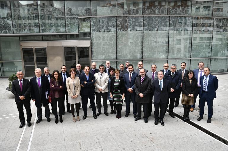 Argazkia: Eusko Jaurlaritzak Euskadiko zentro teknologikoekin eta ikerkuntza kooperatiborako guneekin