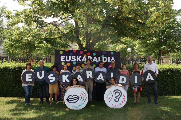 El equipo del Departamento de Educación para Euskaraldia