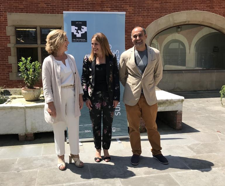 Carmen Agoues, Directora de los Cursos de verano, y Igor Alvarez subdirector de los Cursos de Verano