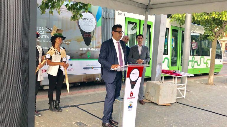 Juan Andrades presenta la iniciativa Hemengo Shopping