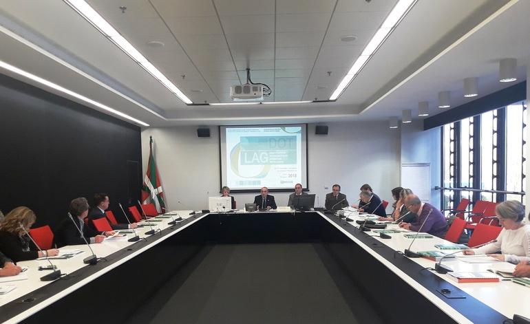 Consejo El consejero Iñaki Arriola preside la reunión del Consejo Asesor  de Política Territorial.