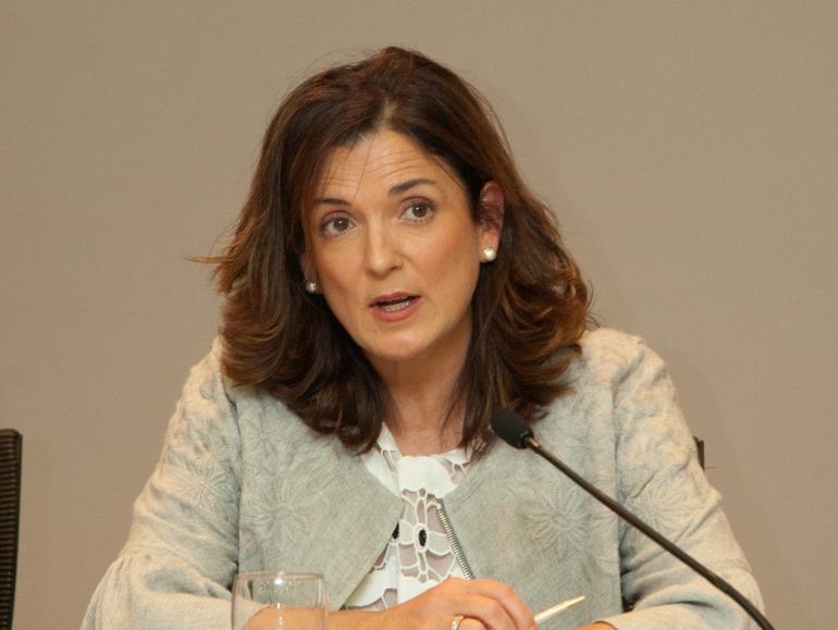 Beatriz Artolazabal, Sailburua